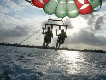 parasailing cancun2